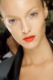 Lips03_V_1Feb13_pr_b_426x639